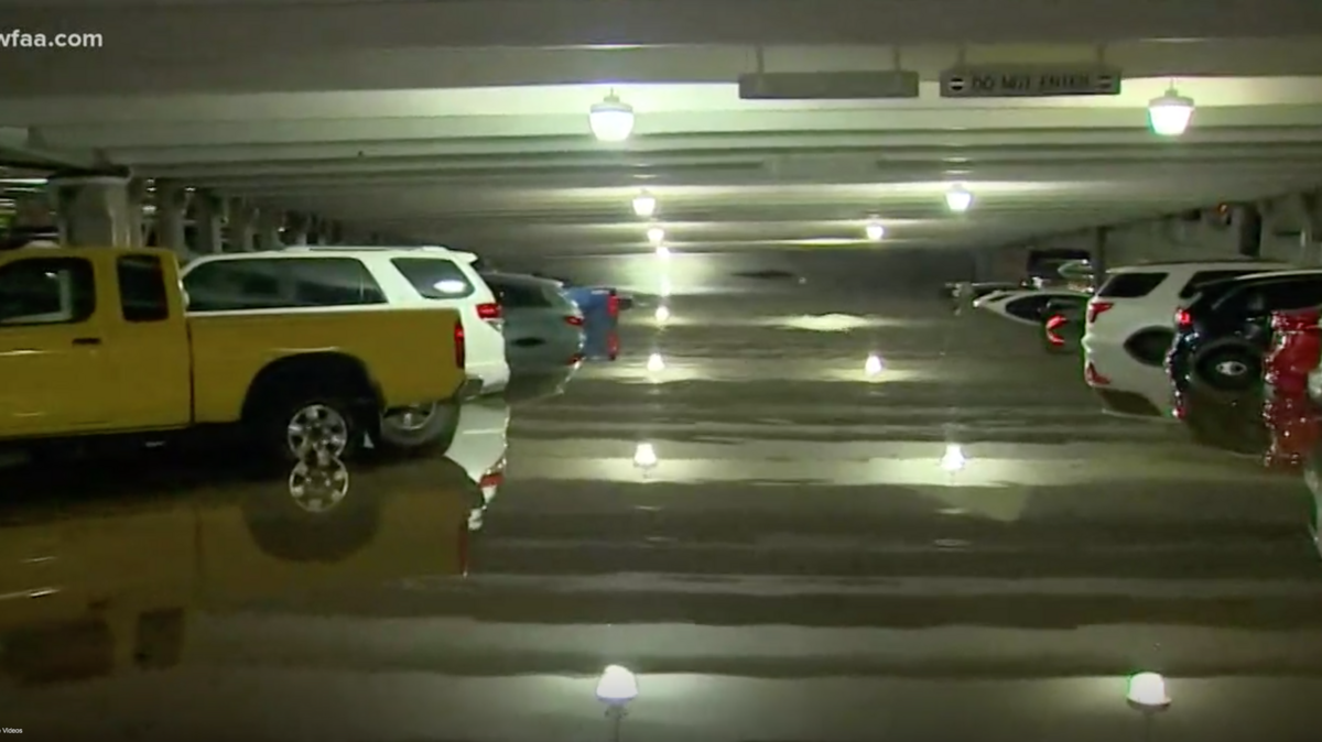 Flooding leaves vehicles underwater at Dallas Love Field parking garage