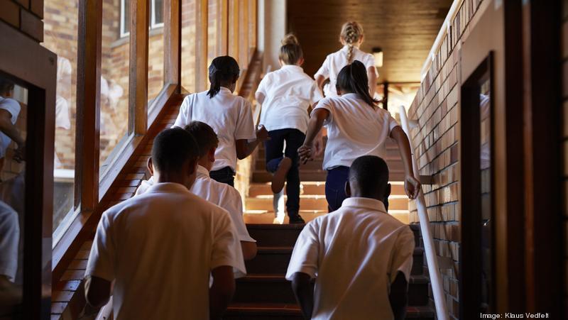 Critics push back against 'discriminatory' dress code - Bizwomen