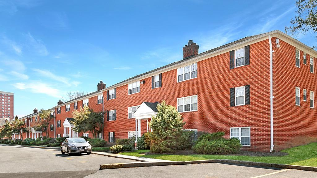 Apartment complex in Baltimore's Tuscany-Canterbury sells for $5.97M