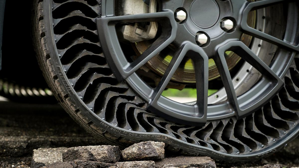 General Motors Michelin Team Up For New Uptis Puncture