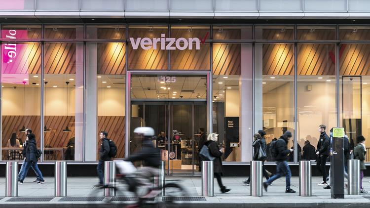 A Verizon Store In New York April 10 2018 President Donald Trumps Dispute
