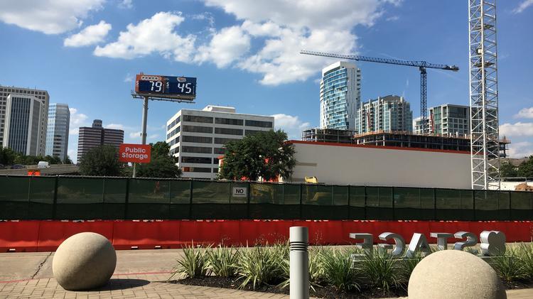 Holiday Inn Express/Staybridge Suites hotel under