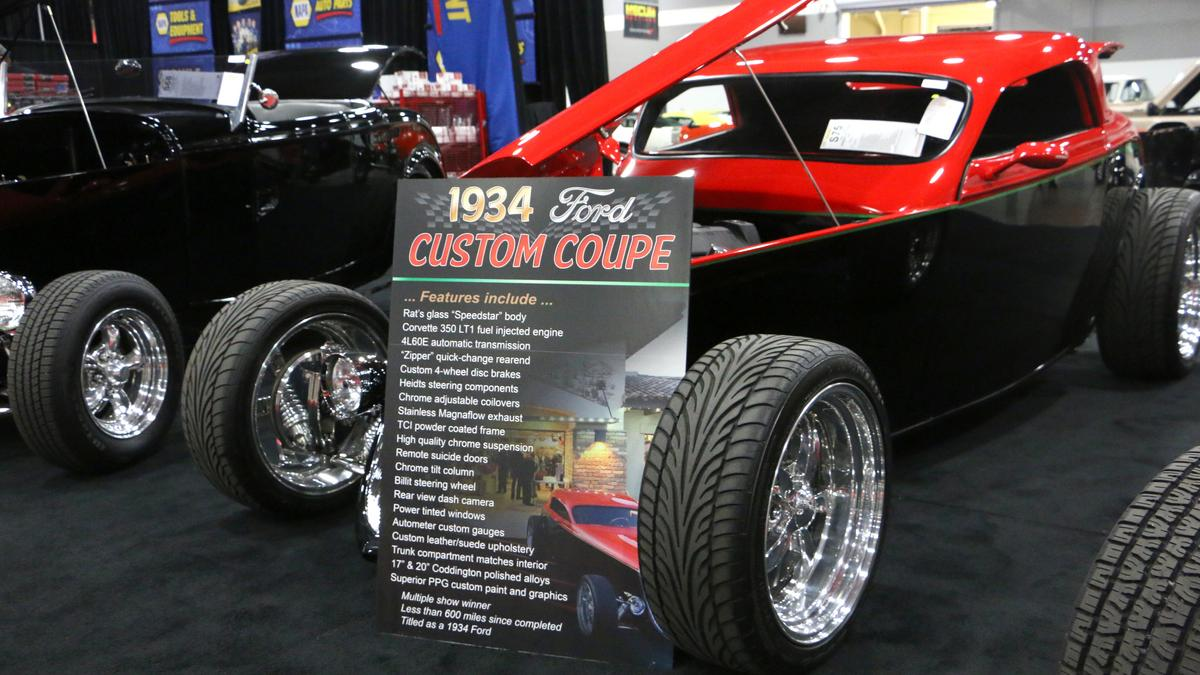 Cool Cars Collectors Gear Up To Buy Mecum Portland 2019 Photos