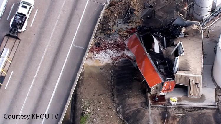 Big rig crashes off 610 Loop near Houston Ship Channel