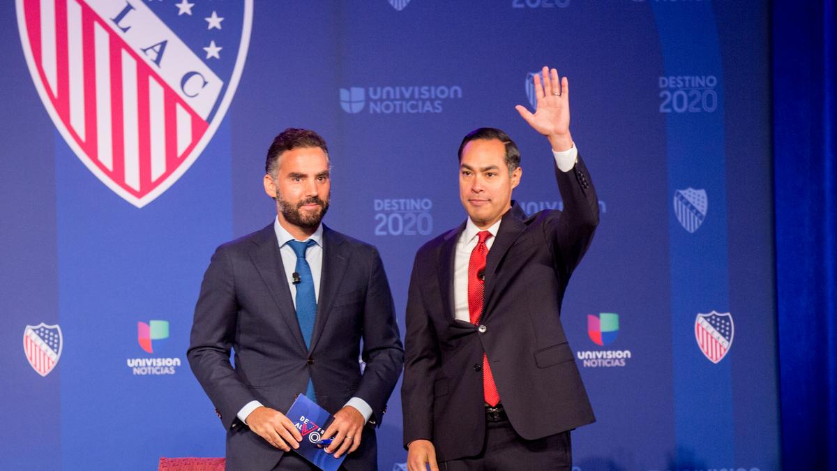 Immigration takes center stage at LULAC presidential town hall