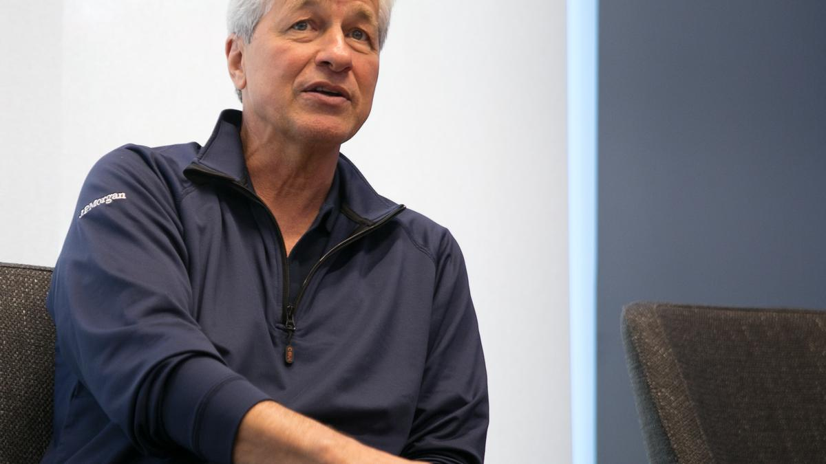 JPMorgan's Jamie Dimon: 'Women probably are more social creatures'