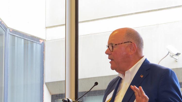 PHOTOS) Glen Raven Chairman Allen Gant says state of