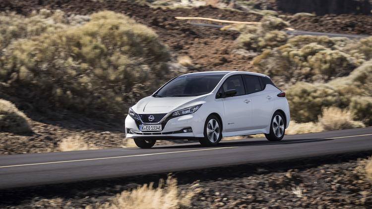 Nissan Leaf Range >> Nissan Leaf Adds More Range Can Power Your Home Phoenix