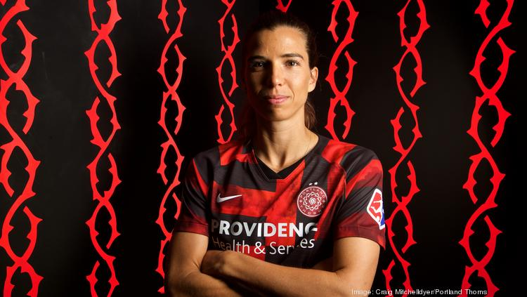 the latest b4f74 2f4c5 Tobin Heath of the USNWT and the Portland Thorns on equal ...