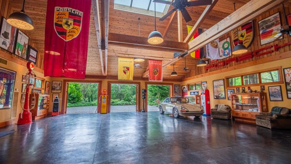 Former Microsoft exec is selling San Juan Island compound