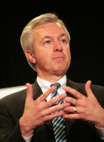 Can't get a mortgage? Wells Fargo CEO John Stumpf says blame the government