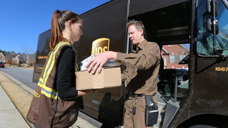 Ups Package Delivery Driver Pay >> United Parcel Service Holiday Hiring Stays At 100k But Means