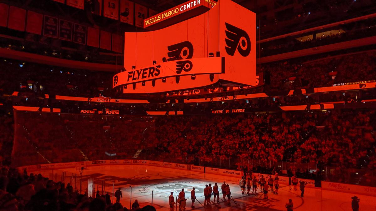 Flyers Wells Fargo Center Toast Multi Year Partnership Deal With