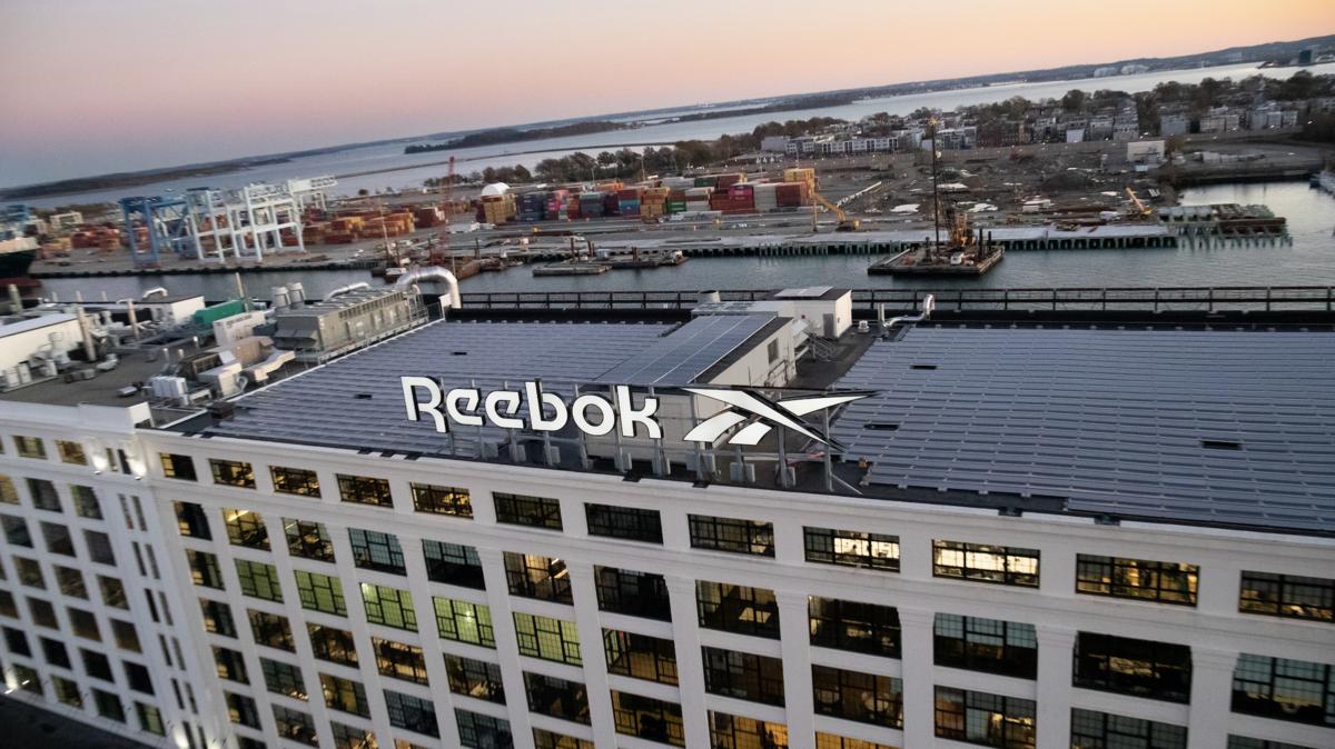 Lograr Stevenson Galaxia  Adidas-owned Reebok splits with CrossFit after George Floyd tweet -  Portland Business Journal
