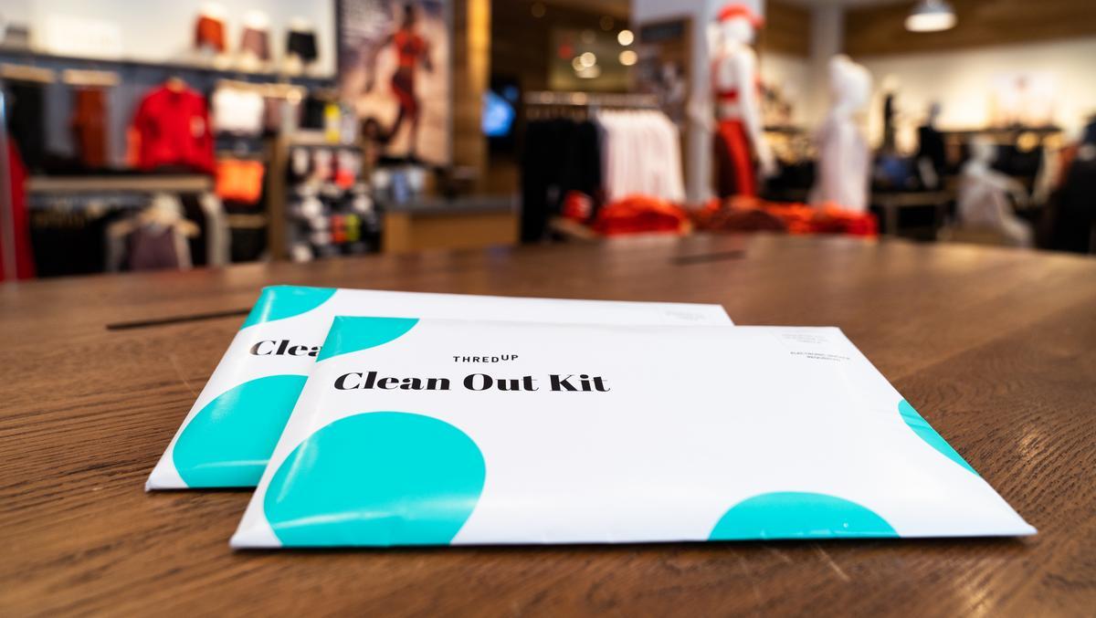Gap, thredUP partner on clothes 'recycling' - Bizwomen