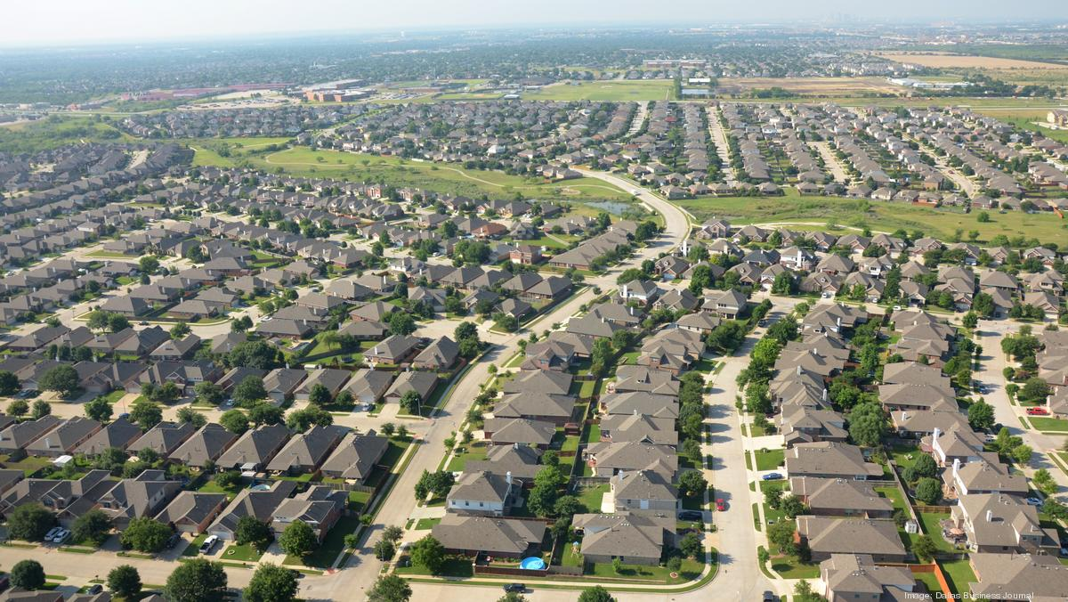 Here's how many people moved to Dallas-Fort Worth every day last year - Dallas Business Journal
