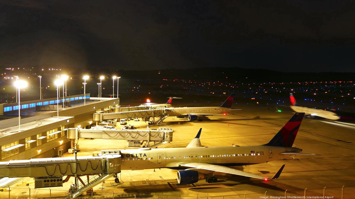 Delta to revive direct flight from BHM to New York LaGuardia - Birmingham Business Journal