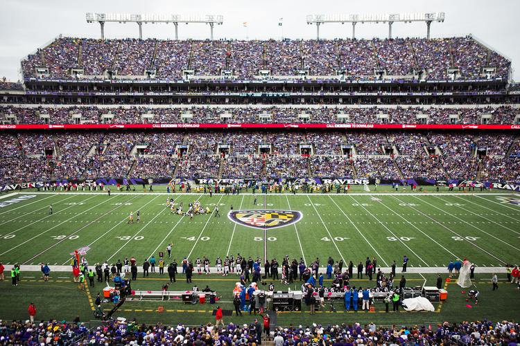 Scenes From Green Bay Packers Baltimore Ravens Game Slideshow