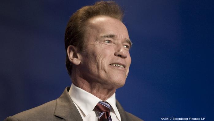 Arnold Schwarzenegger refuses fee for commencement speech