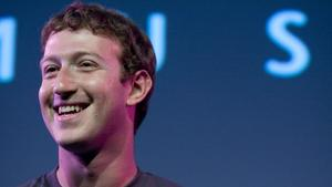 Mark Zuckerberg stops by Chicago to outline Facebook's new mission