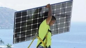 Hawaii energy stakeholders locked in disagreement over new solar credit program