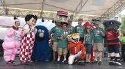 Bartlett & Co. employees join forces with some of Cincinnati's best-known mascots.