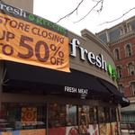 A grocer wants to lease the former Fresh & Green's space downtown. Here's why the deal isn't done yet