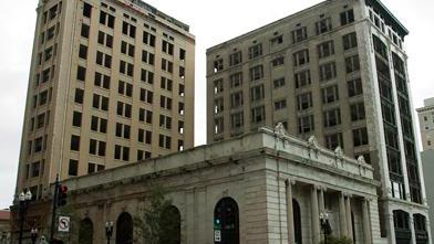 Laura Street Trio, Barnett Bank incentive package approved by City Council