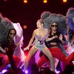 <strong>Miley</strong> <strong>Cyrus</strong> cancels show, St. Louis Twitterverse not too distraught