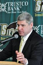 Siena hires Loyola's Jimmy Patsos as new men's basketball coach