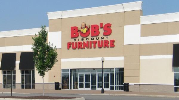 Bob 39 s discount furniture infiltrating milwaukee area for Inexpensive furniture stores