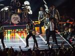 Duly Noted: For Super Bowl, NFL floats having entertainers pay to play (Video)
