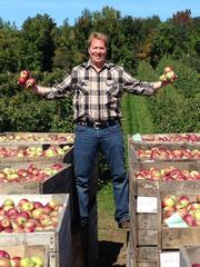 Produce Director Dennis Chrisman makes a personal visit to Fowler Family Farms in New York, a supplier of Macintosh apples to DLM.