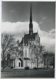 1914: H.J. Heinz gifts the University of Pittsburgh $100,000 to build Heinz Chapel in memory of his mother, Anna Margaritta Heinz; the chapel is dedicated in 1938