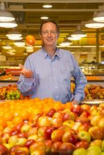 Todd Schnuck, the youngest Schnuck brother, sets the table for $2.6 billion grocery chain