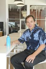Hawaiian Airlines tears down the walls between CEO and employees