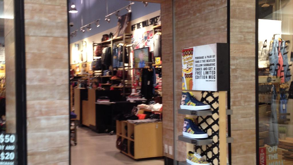 e2ff59352b Vans will open a location in the Wolfchase Galleria this spring ...