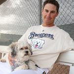 <strong>Hank</strong> <strong>the</strong> <strong>dog</strong> T-shirt sales may set Milwaukee Brewers record