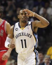 Mike Conley salutes