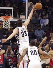 Marc Gasol goes for the block