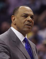 Memphis Grizzlies Coach Lionel Hollins is frustrated by a 91-87 loss