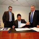 Nolan signs contract to remain Buffalo Sabres coach