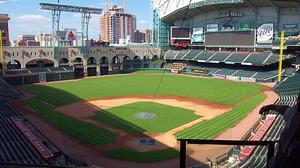 Houston Astros executive dies at 72