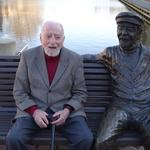 Nearing 100, Robert E. <strong>Simon</strong> reflects on the baby half his age: Reston (Video)