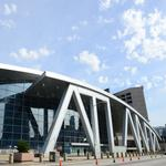 EXCLUSIVE: How Atlanta's Philips Arena morphs from a concert venue into basketball arena and back again (Video)