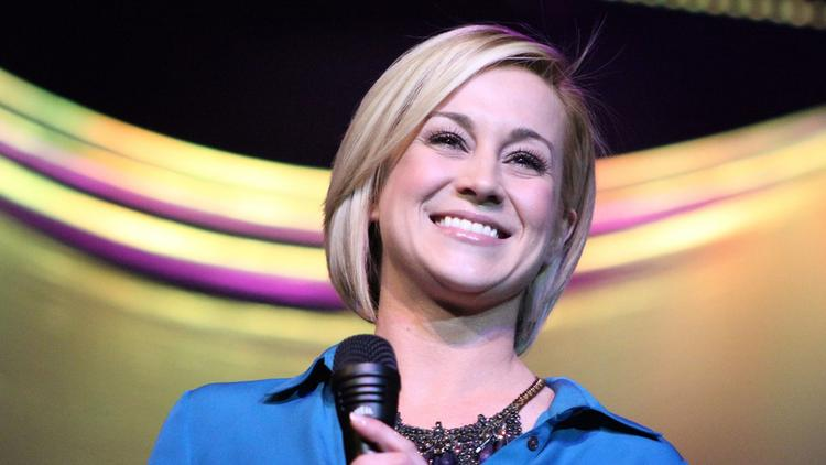 Christmas At Graceland 2.Kellie Pickler To Begin Filming Movie Shot At Memphis