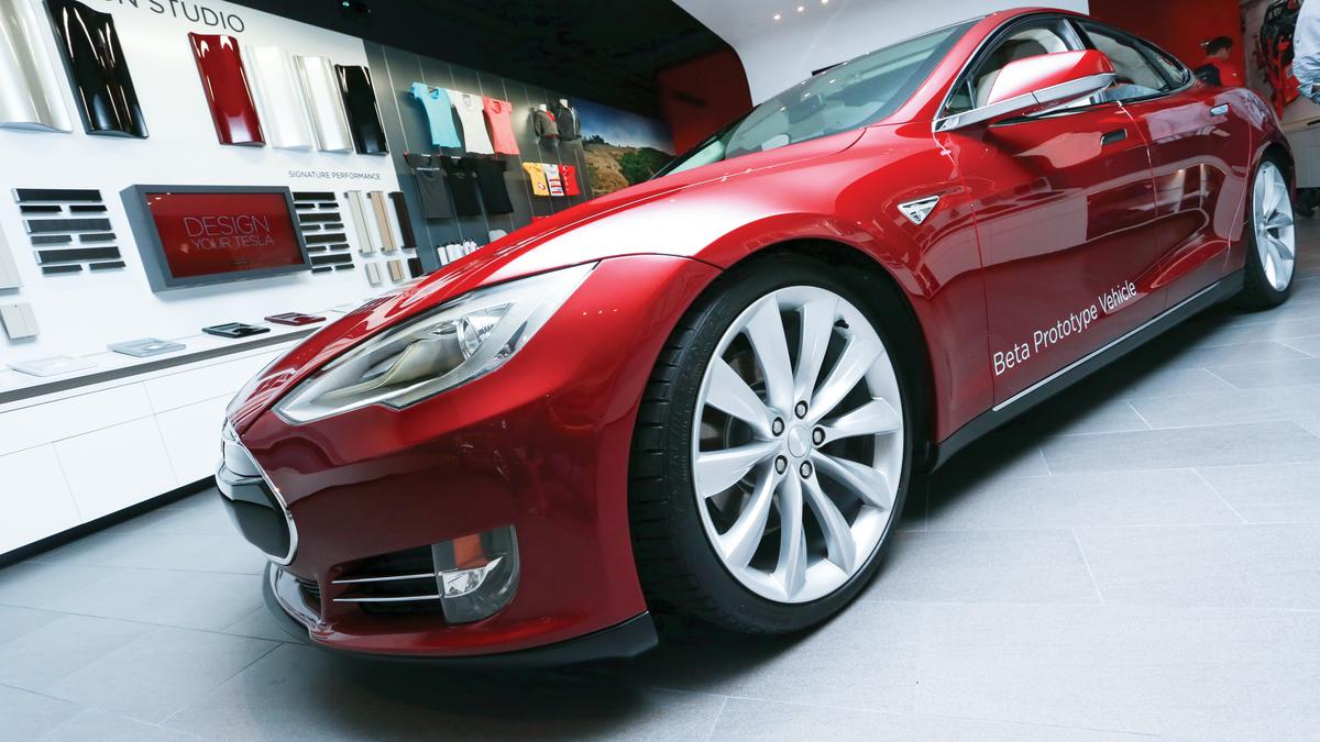 Tesla gets arizona dealership license phoenix business for Department of motor vehicles phoenix az
