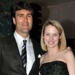 Yahoo CEO Mayer gives birth to twin girls