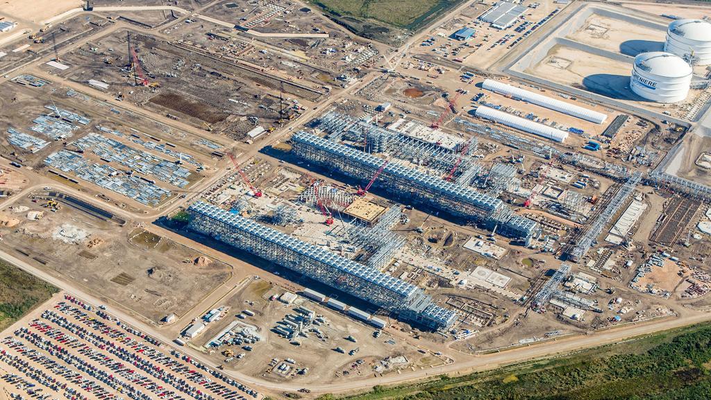 Cheniere starts production at Louisiana LNG terminal