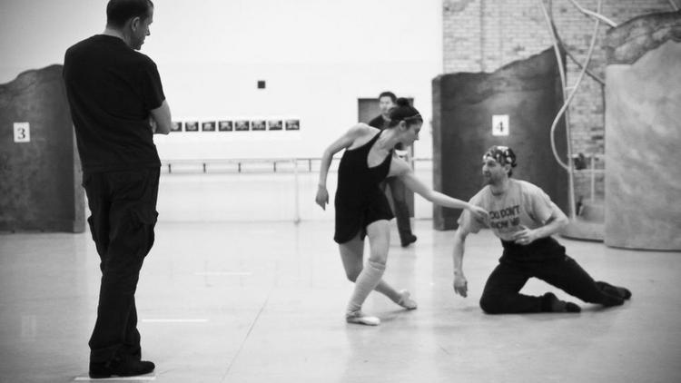 Milwaukee Ballet Preps For World Premiere Of Mirror Mirror